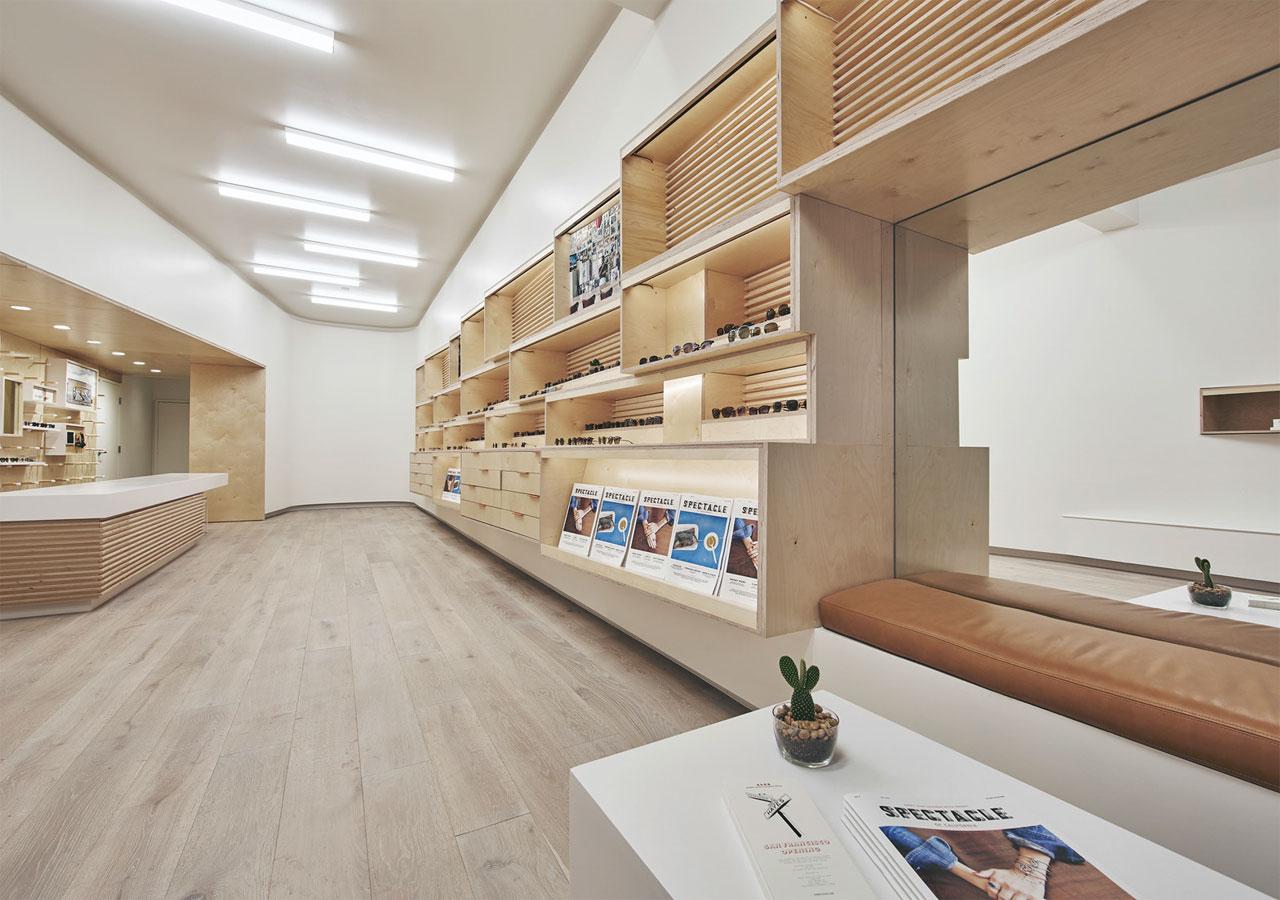 thi-cong-noi-that-showroom